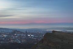 爱丁堡地平线和萨利碎片 免版税库存图片