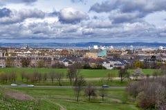 爱丁堡看法往北海的从Arthur's位子,高峰在Holyrood公园的,苏格兰,英国爱丁堡 免版税库存照片