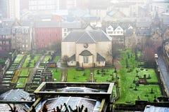 爱丁堡,城市、几座纪念碑和城堡的看法, 库存图片