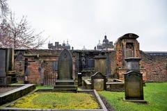 爱丁堡,城市、几座纪念碑和城堡的看法, 免版税图库摄影