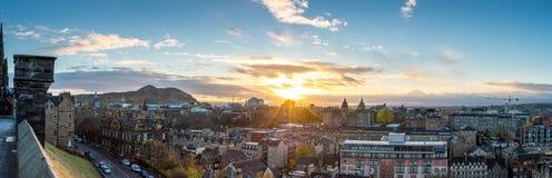 爱丁堡,苏格兰,英国- 2016年11月16日:爱丁堡都市风景 库存图片