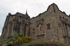 爱丁堡,苏格兰-大约2013年3月:从爱丁堡城堡外部的一个看法  库存图片