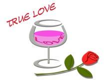 爱与爱词的概念在酒杯和玫瑰色背景 库存照片
