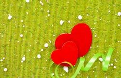 爱两心脏在白色背景的情人节 免版税图库摄影