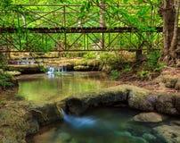 爱侣湾瀑布,北碧,泰国 免版税库存图片