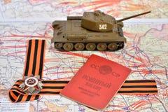 爱国战争,老苏维埃m的顺序在圣乔治的弓的 库存图片