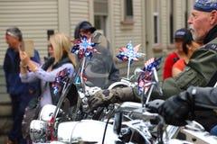 爱国者在摩托车的卫兵车手 免版税库存照片