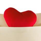 爱在白色隔绝的心脏信件 免版税库存照片