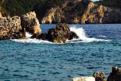 爱奥尼亚人海边 免版税库存图片