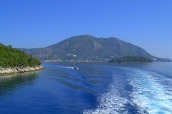 爱奥尼亚海小船旅行 免版税库存照片