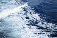 爱奥尼亚海波浪 库存图片