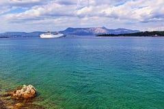 爱奥尼亚海游轮科孚岛海岛岸希腊 免版税库存图片