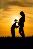 爱妈妈和儿子 图库摄影