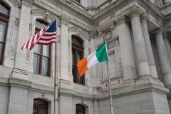爱尔兰和美国国旗 免版税库存照片