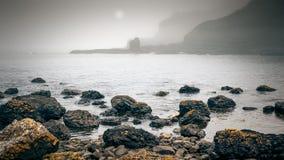 爱尔兰海岸雾 免版税库存照片