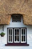 爱尔兰盖的村庄窗口紧密  免版税库存图片