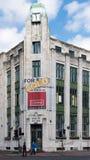 爱尔兰银行关闭了并且卖了 贝尔法斯特市中心2016年8月15日 库存照片