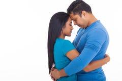 爱恋的印地安夫妇 免版税图库摄影