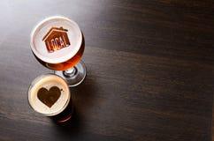 爱恋的地方工艺啤酒 库存图片