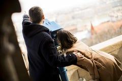 爱恋的夫妇在布达佩斯,匈牙利历史地区  库存照片