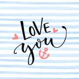 爱您与船锚的在蓝色水彩条纹纹理的文本和心脏 华伦泰` s天卡片设计 库存照片