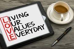 爱概念:居住每天我们的价值 免版税图库摄影
