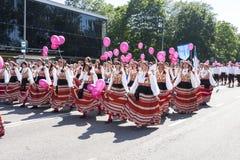 爱沙尼亚语全国歌曲节日游行在塔林,爱沙尼亚 库存照片