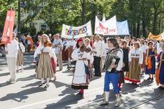 爱沙尼亚语全国歌曲节日游行在塔林,爱沙尼亚 图库摄影