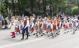爱沙尼亚语全国歌曲节日游行在塔林,爱沙尼亚 免版税库存图片
