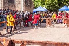 爱沙尼亚,塔林- 2016年6月04日, :老塔林杯国际历史剑战斗的比赛 图库摄影