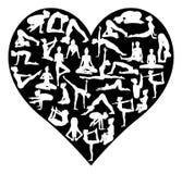 爱瑜伽摆在剪影心脏 库存图片