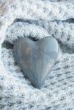 爱石头 重点查出的形状蕃茄白色 免版税库存照片