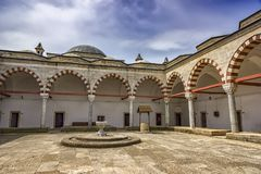 爱迪尔内,土耳其- 2015年5月02日 苏丹巴耶济德二世健康博物馆复合体,是Trakya大学医院博物馆,被找出  免版税库存照片