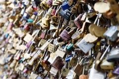 爱锁在巴黎,法国 库存照片