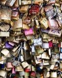 爱锁在巴黎,法国 免版税图库摄影