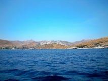 爱琴海乘小船 免版税图库摄影