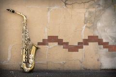 爵士乐萨克斯管难看的东西 免版税库存图片