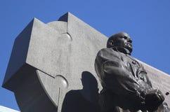 父亲在时代广场的达菲纪念碑在曼哈顿 库存图片