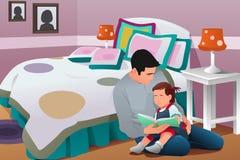 父亲讲催眠故事对他的女儿 免版税库存照片
