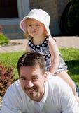 爸爸女孩使用的一点 免版税库存图片