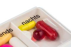 片剂分配器和片剂 免版税库存图片