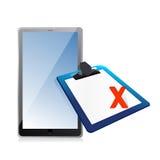 片剂和剪贴板有xmark的 免版税库存图片