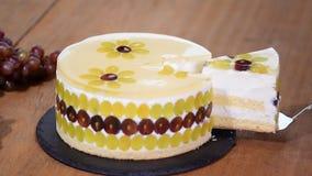 片断自创奶油甜点蛋糕用葡萄 股票视频
