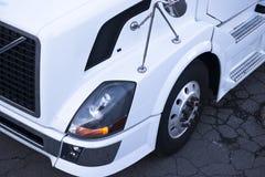 片段一辆白色卡车的belogo gruzovikaDetail 免版税库存照片