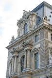 片段其中一个皇家天窗宫殿的门面在巴黎 图库摄影
