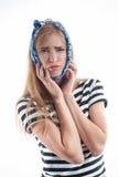 牙痛 遭受牙痛的少妇 免版税库存图片