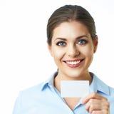 暴牙的微笑的女商人被隔绝的画象 抽象蓝色看板卡赊帐照片 库存图片