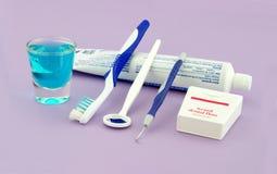 牙齿健康工具 免版税库存图片