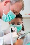 牙齿牙科医生患者处理 免版税图库摄影