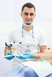 牙医和患者 图库摄影